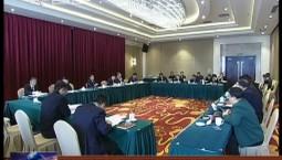 我省代表团分组审议宪法修正案草案