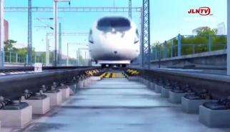 """非剧情类丨高铁,我们的故事之""""女汉子""""周华"""
