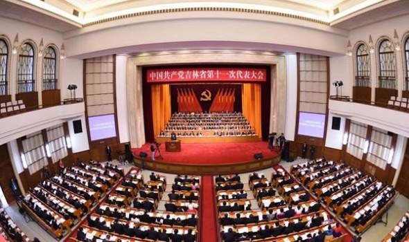 巴音朝鲁同志所作的报告 在代表中引起强烈反响