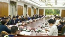 景俊海与企业高管代表团举行会谈