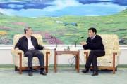 巴音朝鲁会见新华社社长、党组书记李从军