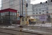 轻轨站旁闸道封闭 过街天桥可以通行
