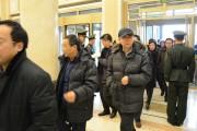 两会镜头:与会委员满怀信心 步入会场 参加政协吉林省第十一届委员会第四次会议