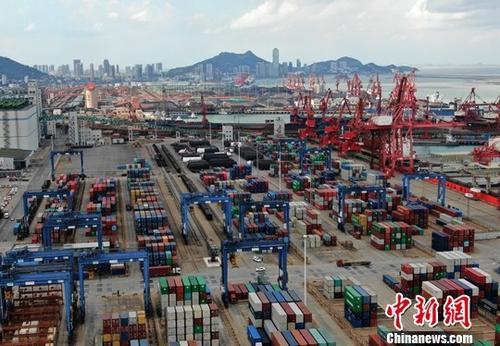 前2个月,我国货物贸易进出口总值4.54万亿元人民币