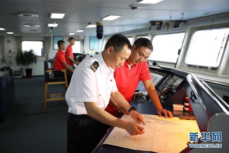 (科技)(4)远望3号船安全驶入长江入海口