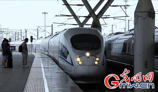 【理论面对面】姚洋:中国经济韧性强 老百姓的钱袋鼓