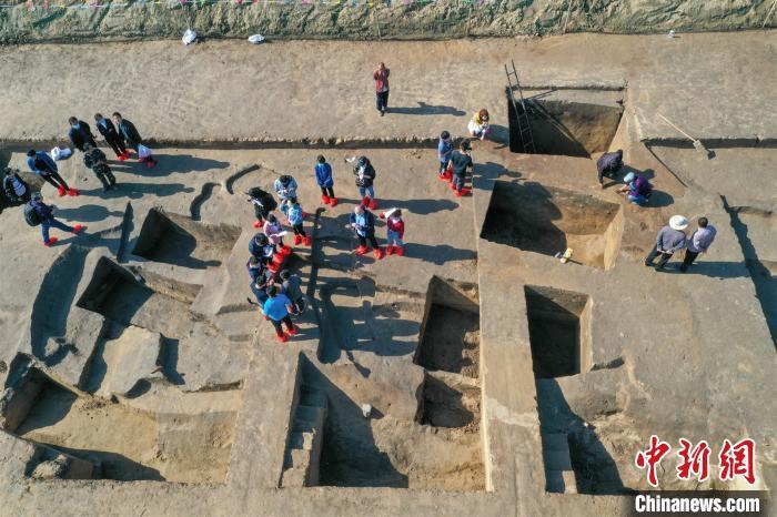 资料图:图为山东小清河沿岸考古遗址发掘现场。 韩春义 摄