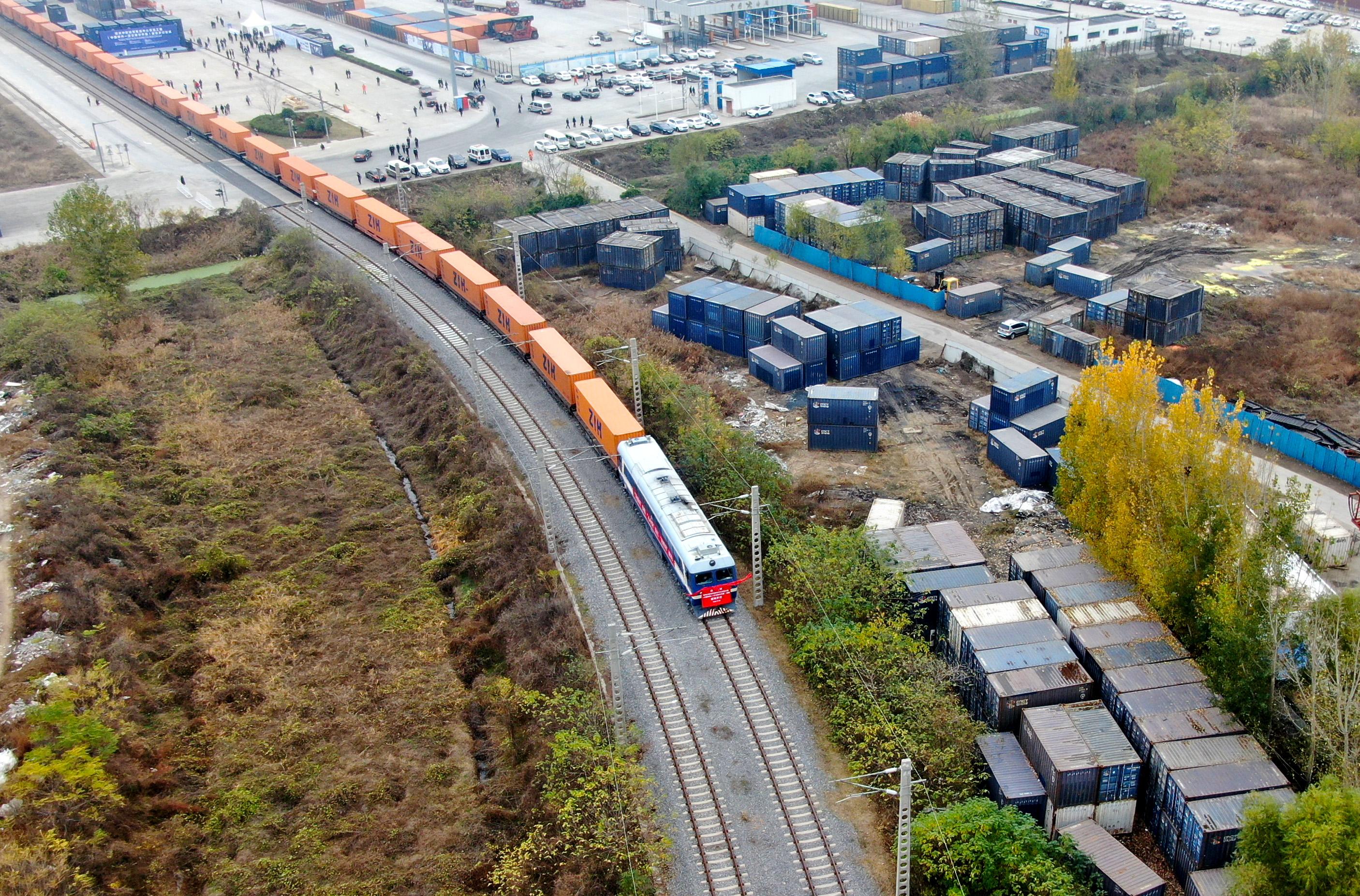 中国成欧盟最大贸易伙伴 欧洲多国经济界人士点赞