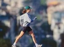 加快步速、横着走……这样散步可提高骨密度