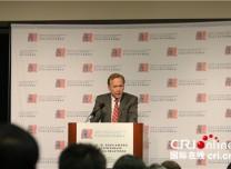 尼尔·布什:美中均受益于双边关系良性发展 对话是解决分歧的根本途经