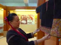 """""""可愛的中國""""之黎族:一雙巧手織出多彩黎錦,千年技藝織造絢麗生活"""