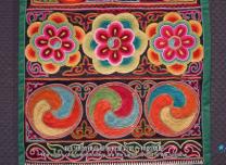 """""""可愛的中國""""之土族:這里的繡娘用巧手繡出了""""彩虹故鄉""""的驕傲"""