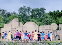 """""""可愛的中國""""愛的告白!56個民族非遺傳承人同唱《我愛你中國》"""