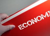 经济日报:香港经济结构性矛盾亟待破解