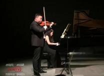 赞!吉林省青年小提琴演奏家张彤彤登上北大百年讲堂舞台