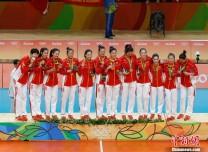 三十八載過,十冠已在手!今天屬于中國女排