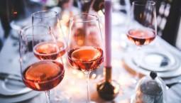 """科学家""""换算""""中度饮酒和癌症之间的关系——喝一瓶酒等于抽多少支烟?"""