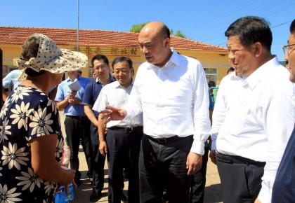 刘国中到延边州指导灾后重建工作时强调 全力以赴开展抗灾救灾 众志成城重建美好家园