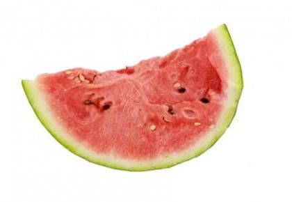 预防皮肤老化防感冒 夏季吃西瓜好处多