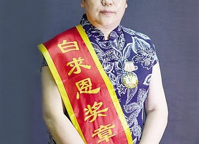 """【中国梦实践者】刘建平:17年爱的坚守 给白血病儿童""""生""""的希望"""