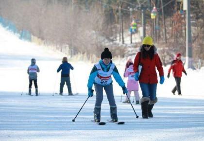 净月潭滑雪场初级雪道开放