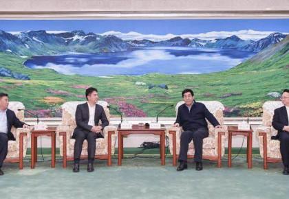 省政府与京东集团签署战略合作框架协议 巴音朝鲁景俊海会见刘强东
