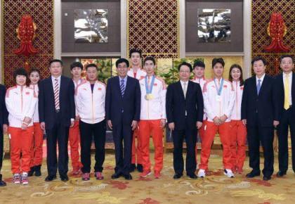 弘扬奥运精神  激发奋斗豪情 巴音朝鲁景俊海接见我省参加平昌冬奥会运动员和教练员