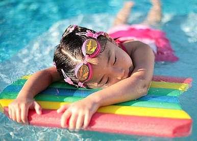 游泳到底能不能治鼻炎?