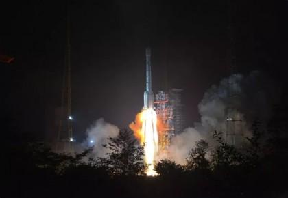 """今天凌晨,我国成功发射""""亚太6C""""通信卫星"""