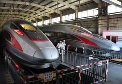 """7月起长编组""""复兴号""""首次投入运营 每列可载客1193人"""