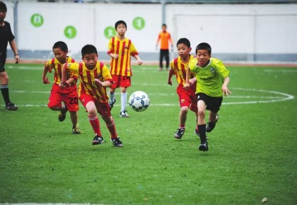 中央投入6.48亿元支持校园足球!中国足球何时能