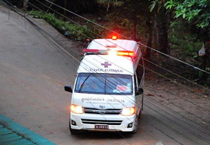 第一批泰国少年足球队员获救 身体状况良好