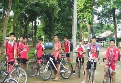 被困泰国洞穴的少年足球队13人全部获救