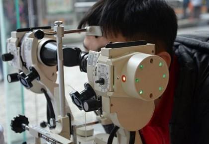 家长注意:假期是孩子视力下降