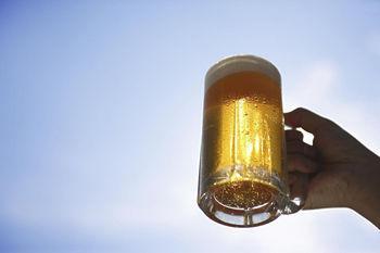 啤酒解暑?冷水冲凉?抗热消暑当心越消越热…
