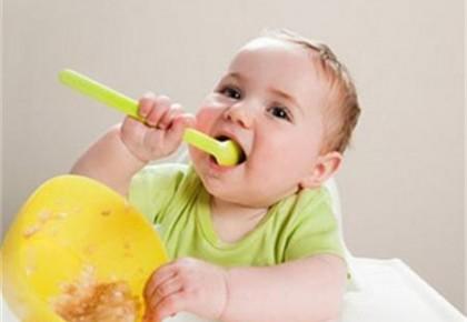 """婴儿吃饭也需要""""仪式感"""" 宝宝并非吃得多就""""好"""""""