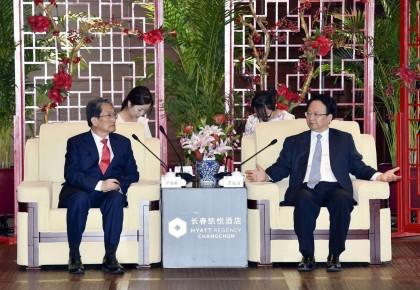 开展紧密合作 促进互惠共赢 景俊海会见韩国驻华大使卢英敏
