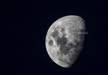月球存在水冰这事证实了!为月球探测甚至定居提供便利