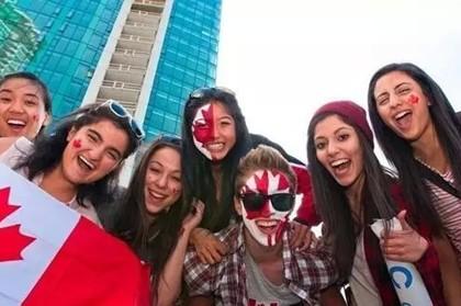 中国赴加拿大留学人数10年增长226% 偏爱商科专业