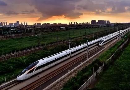 今天,中国第一条时速350公里的高铁十周岁了!有多少外国政要
