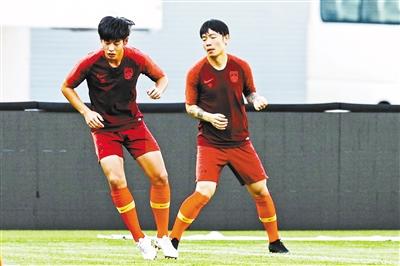 """国足""""亚洲杯时间""""提前到来 飞赴卡塔尔多哈参加热身赛"""