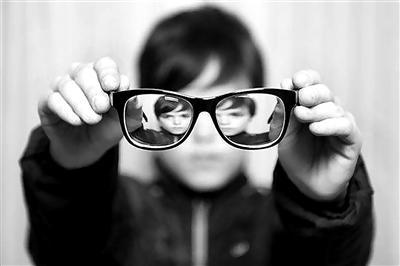 智能產品時代來臨 各國為挽救青少年視力健康做了哪些努力?誰的方法最好?
