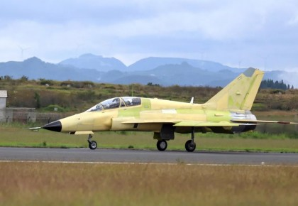 国产战机又有新突破!我国自主设计和生产的FTC-2000G成功首飞