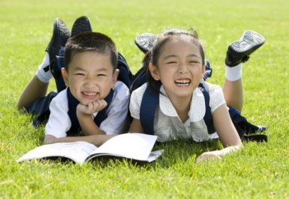研究显示:小学阶段有固定好友 学习成绩可能更好
