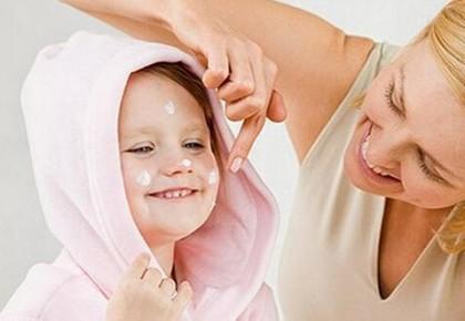 儿童冬季护肤品该咋选?建议:不宜随便更换