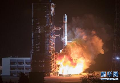 """中国""""一箭双星""""成功发射两颗北斗导航卫星"""