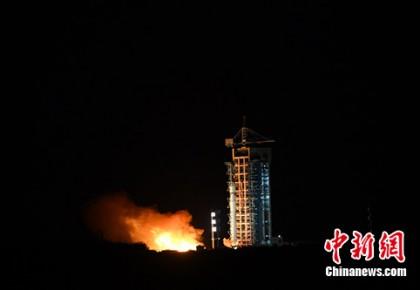 一箭五星 中国成功发射试验六号及四颗微纳卫星