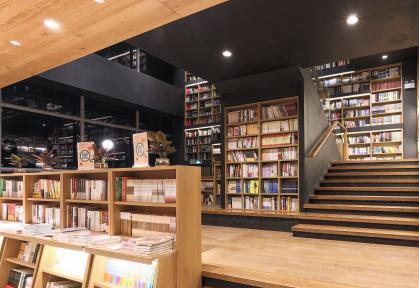 """2018哪些图书最受欢迎?数据显示:""""鸡汤""""遇冷 经典上榜"""