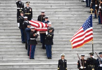 送别!美国为前总统老布什举行国葬 全国哀悼