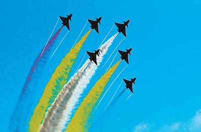国防和军队建设,谱写强军兴军新篇章